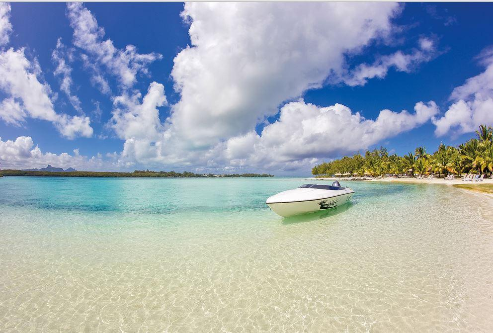 SHANDRANI BEACH BOAT